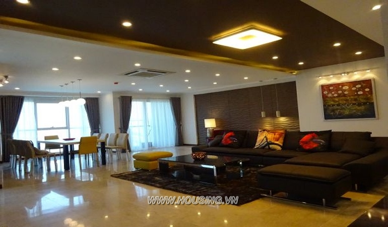 Luxury & High Class 4 bedrooms Apartment in Ciputra