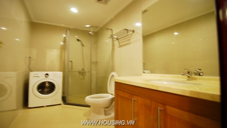 Fully furnished apartment Royal city (11)