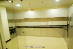 Fully furnished apartment Royal city (7)
