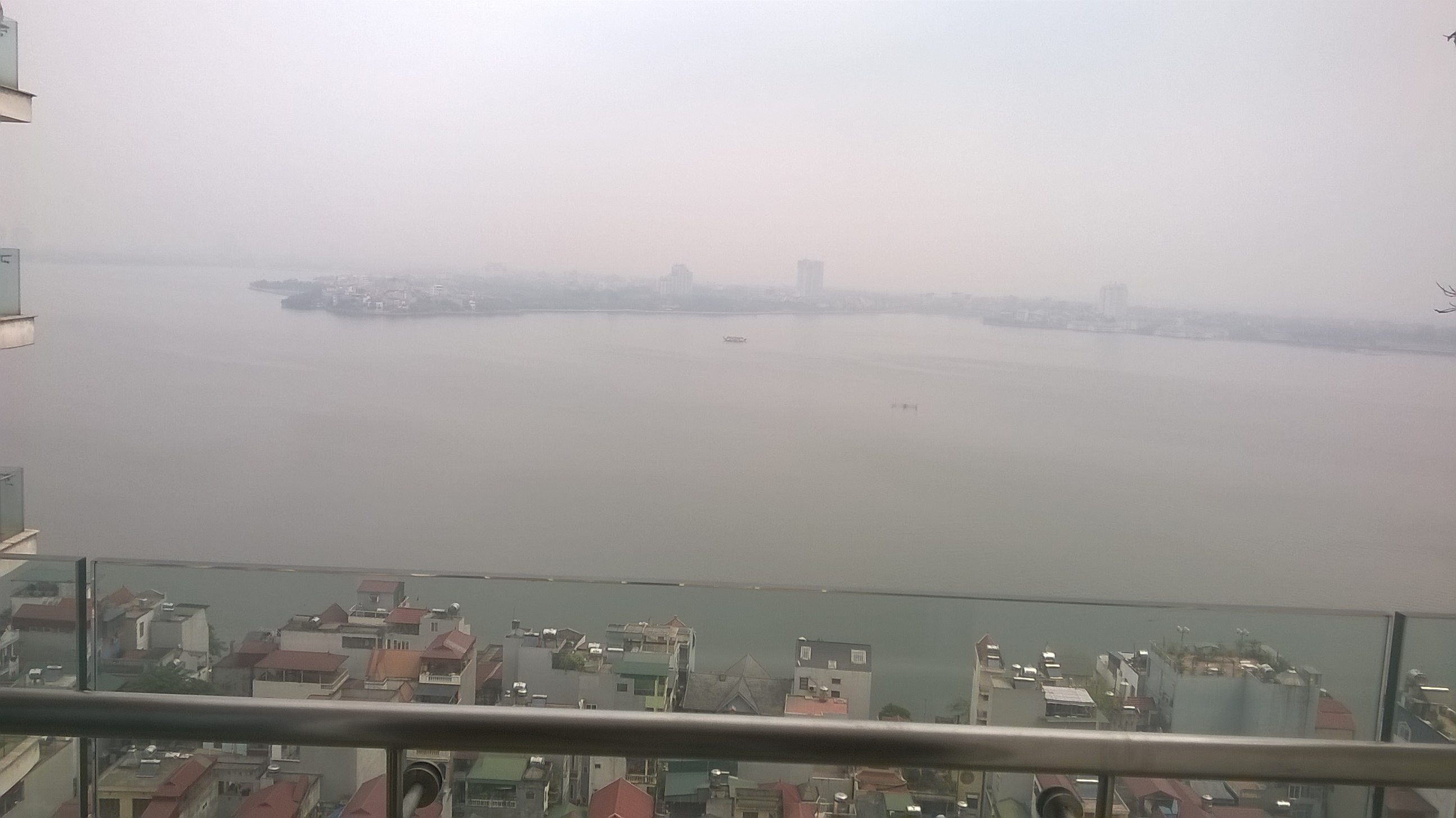 Golden Westlake  apartment for rent with lake view