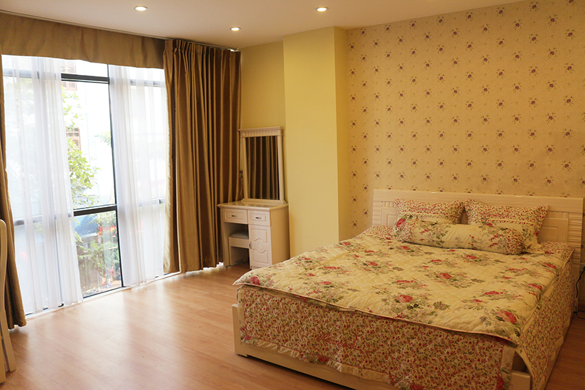 Serviced apartment in Long Bien distict for rent