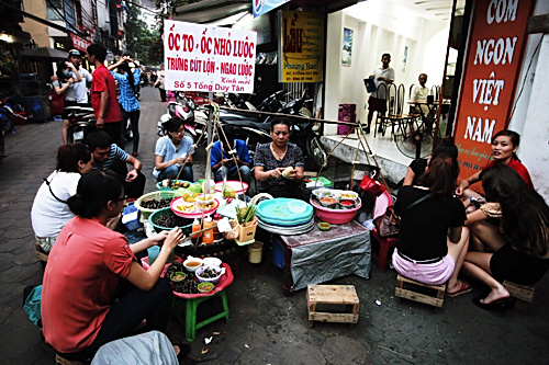 A-square-of-Tong-Duy-Tan-Street-