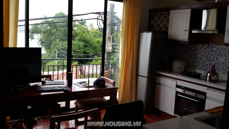 Lake-view-apartment-04