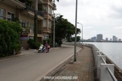 Lake-view-apartment-15