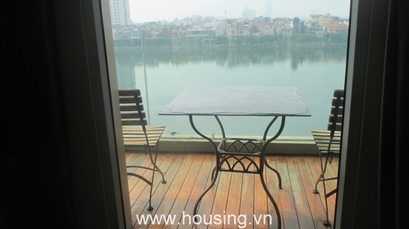 Xuan Dieu lake view serviced apartment for rent