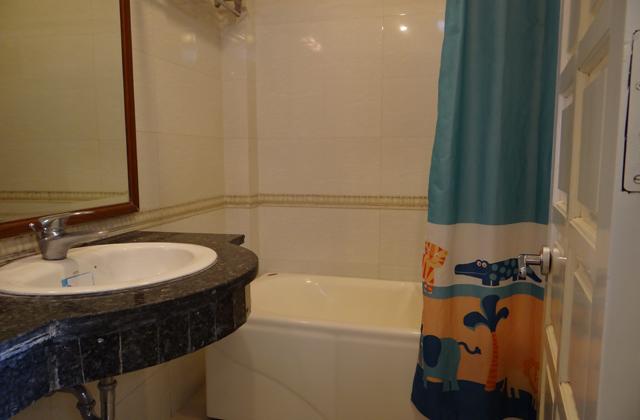4.-bathroom