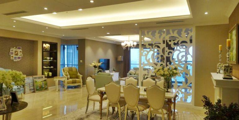 Stunning Apartment in L2 Ciputra
