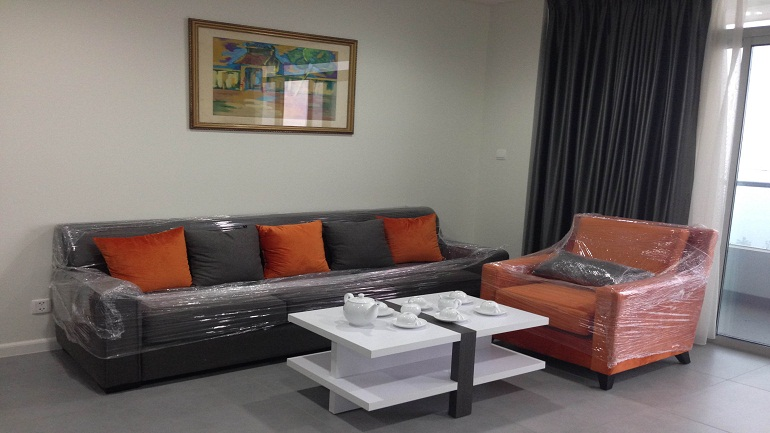 Brand new 2 bedroom apartment in Lac Long Quan for rent