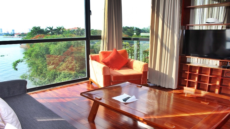 Apartment with great view in Tay Ho for rent