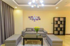 Cho thuê căn hộ 2 phòng ngủ tại Royal City