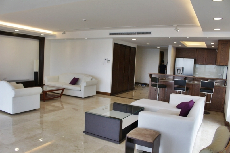 3 bedrooms serviced apartment for rent in Xuan Dieu street