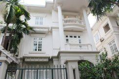 Belle villa à Ciputra à louer