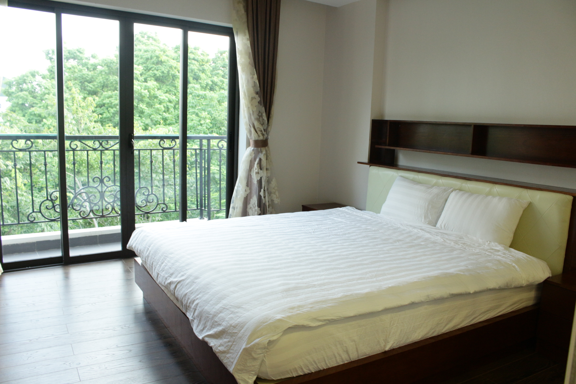 Rent Serviced Apartment in Hanoi, Truc Bach area