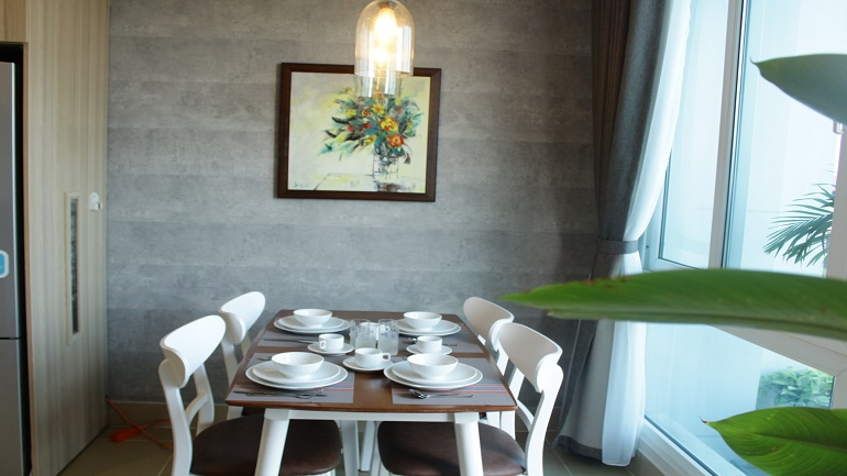 Cheap two bedroom apartment in Tay Ho for rent