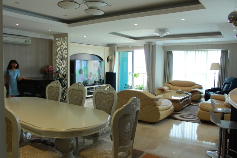 Ciputra's luxurious 4 bedroom apartment for rent