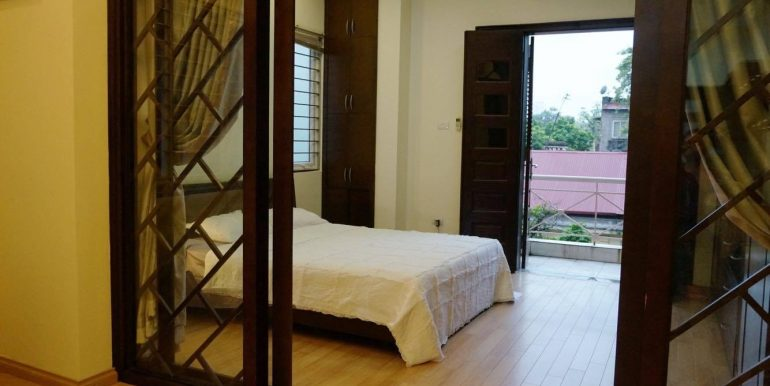 flat-for-rent-in-hoan-kiem-1