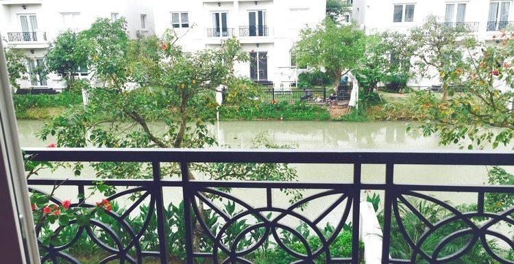 Stunning villa rent Vinhomes Riverside Long Bien