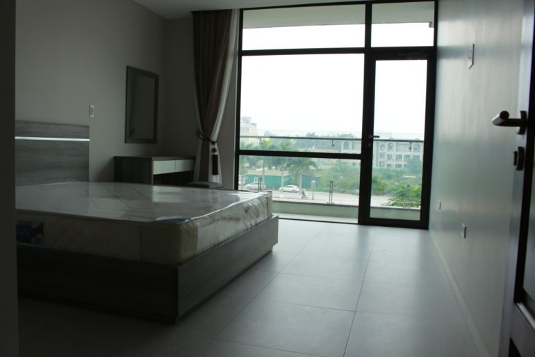 One Bedroom With Lakeview Apartment Trinh Cong Son Str Tay Ho Dist