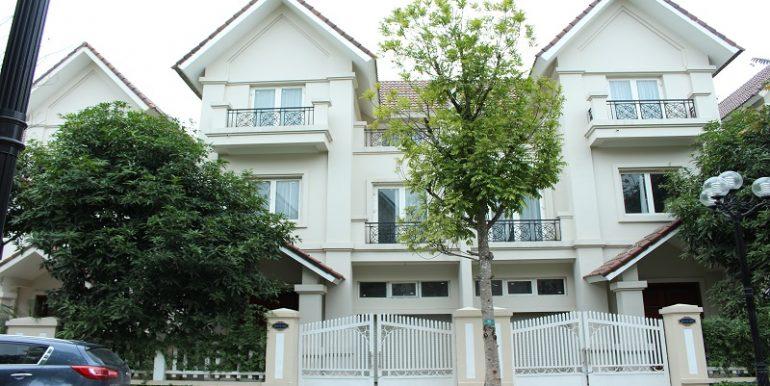 Beautiful villa in Vinhomes Riverside