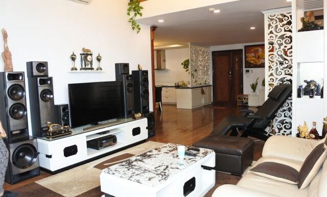 Duplex spacious apartment Ciputra