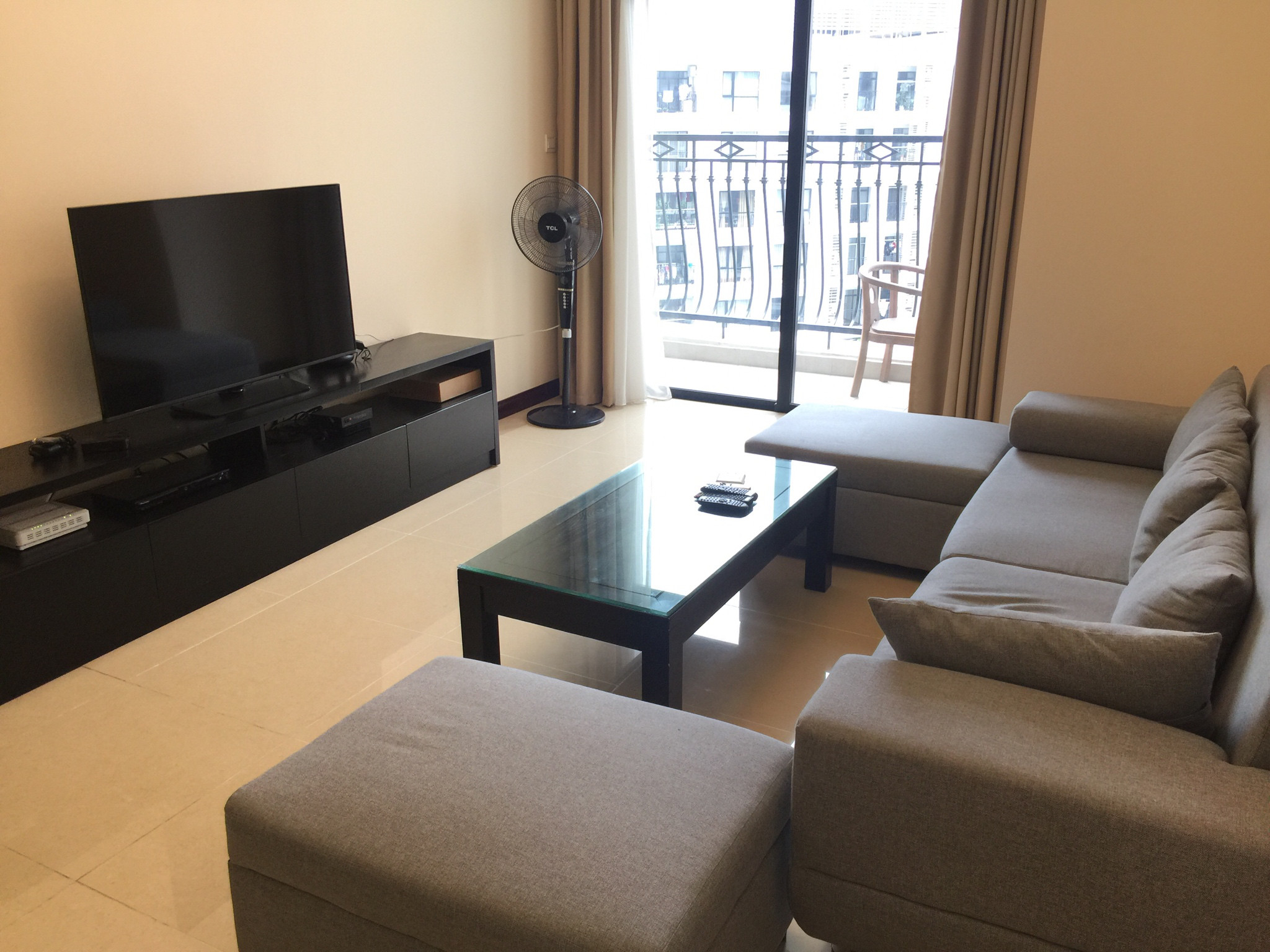 High-end R1 Royal City apartment for rent