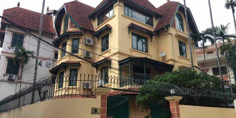 Rental classic villa  with outdoor pool in Tô Ngọc Vân