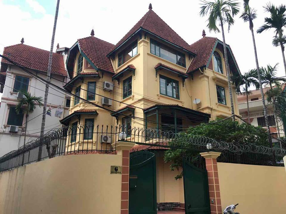 Classic villa with outdoor pool in Tô Ngọc Vân