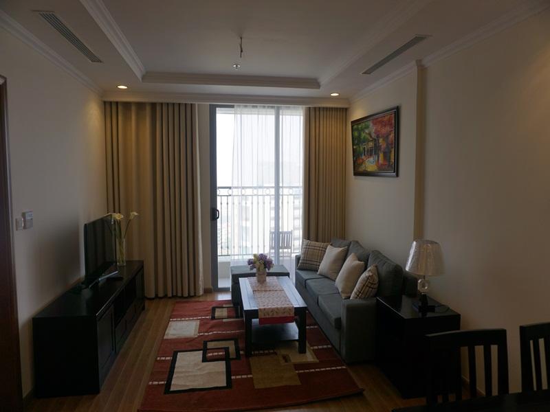 Cho thuê căn hộ cao cấp Vinhomes Nguyễn Chí Thanh, 2 phòng ngủ