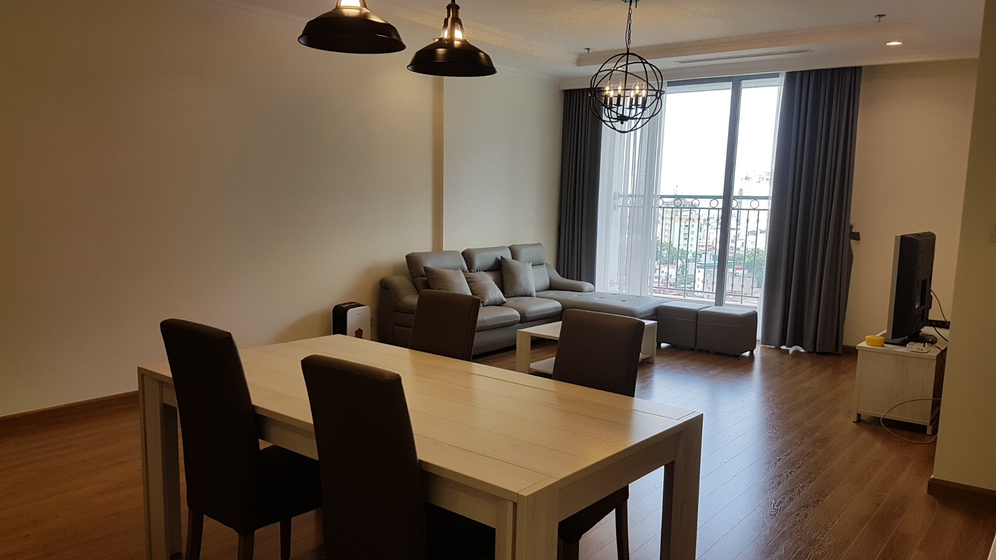New apartment for rent  in Vinhomes Nguyen Chi Thanh