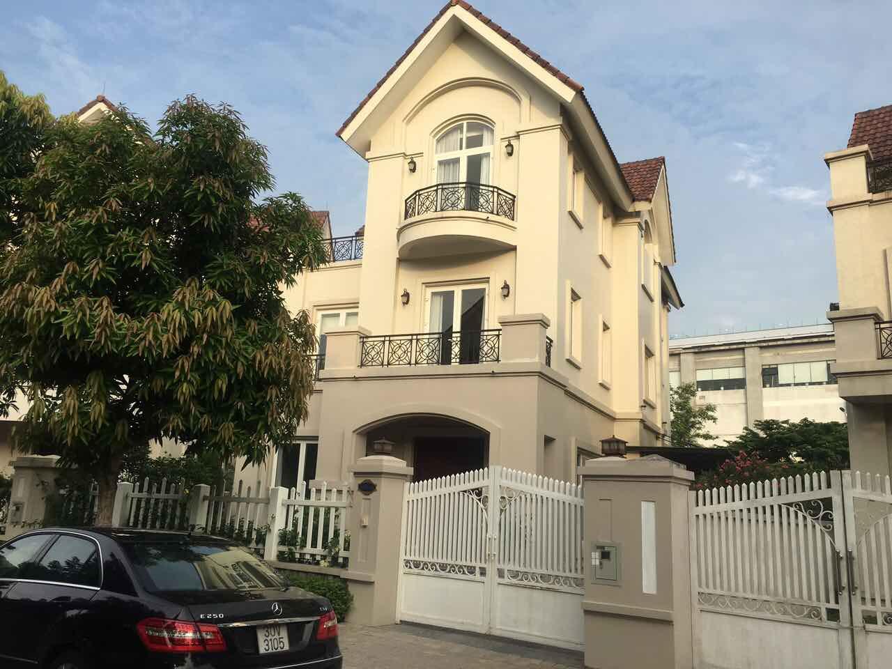 Cho thuê biệt thự Vinhomes Riverside, Long Biên, đồ cơ bản