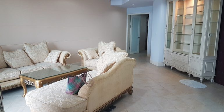 4 bedroom apartment Golden Westlake