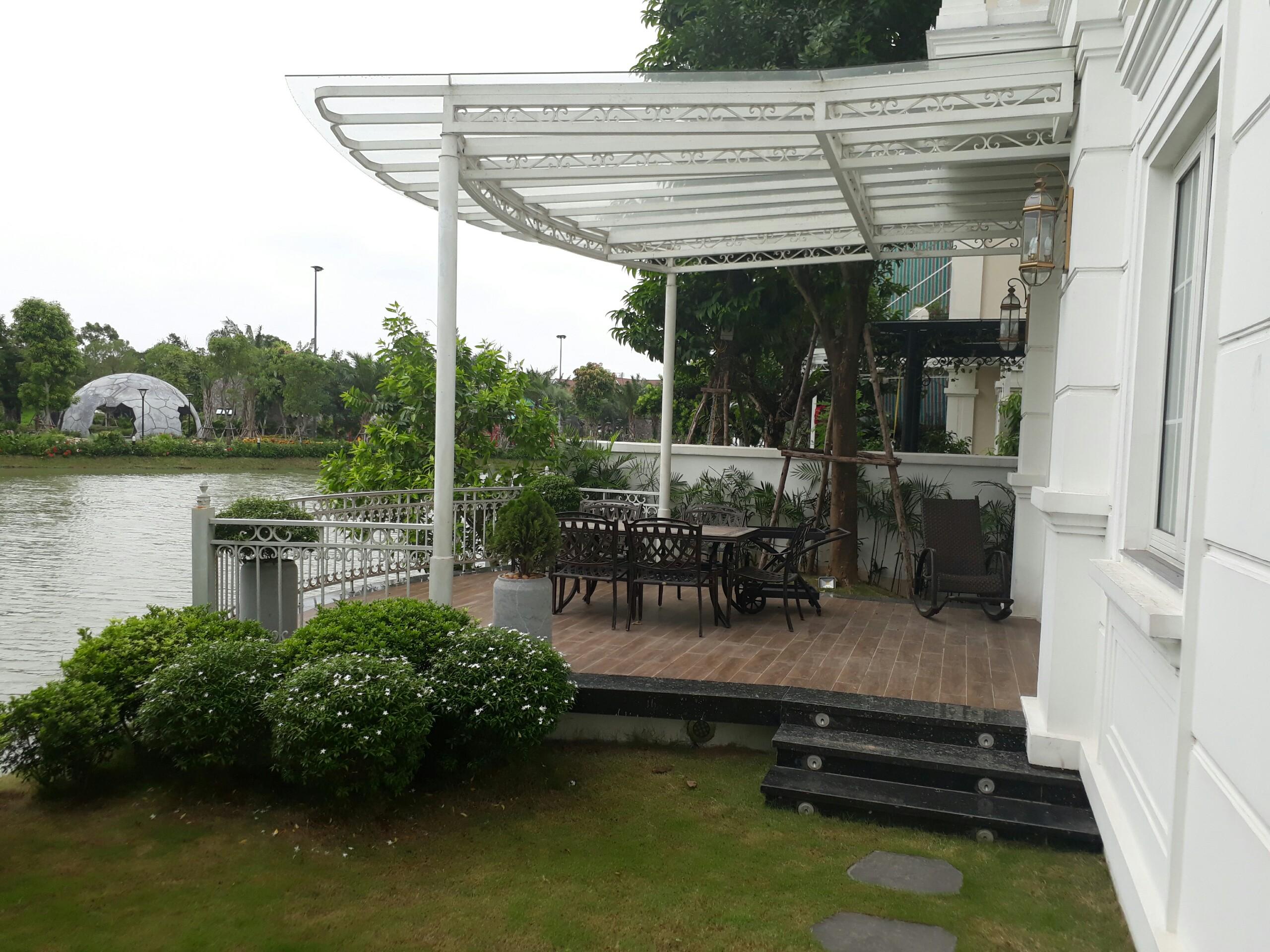 New high-end design villa in Vinhomes Riverside Long Bien