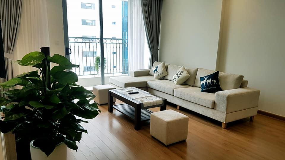 Cho thuê căn hộ cao cấp Vinhomes Nguyễn Chí Thanh 137m2 full đồ