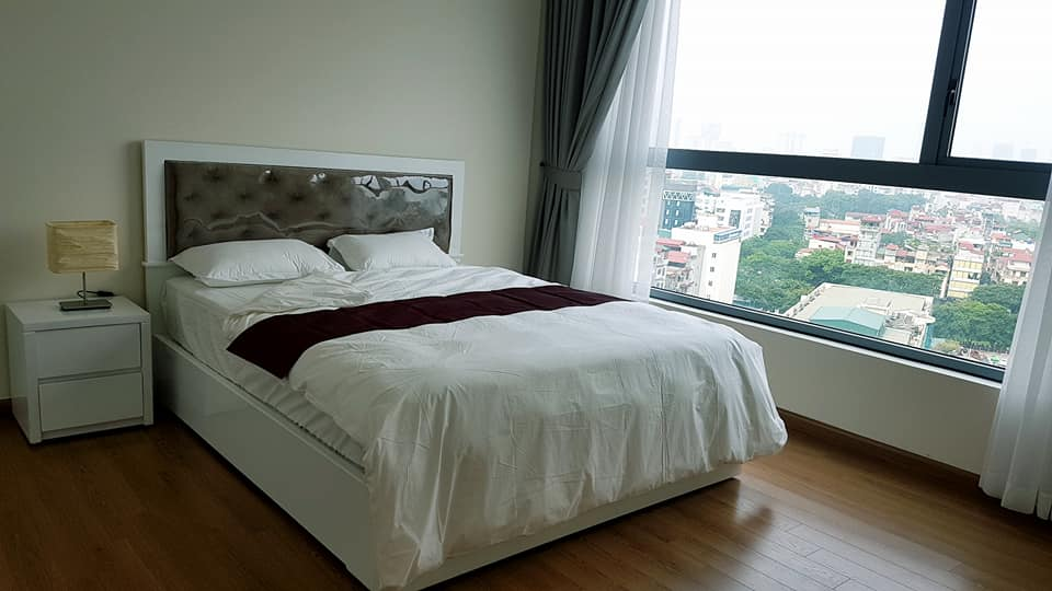 The best apartment in Vinhomes Nguyen Chi Thanh for rent