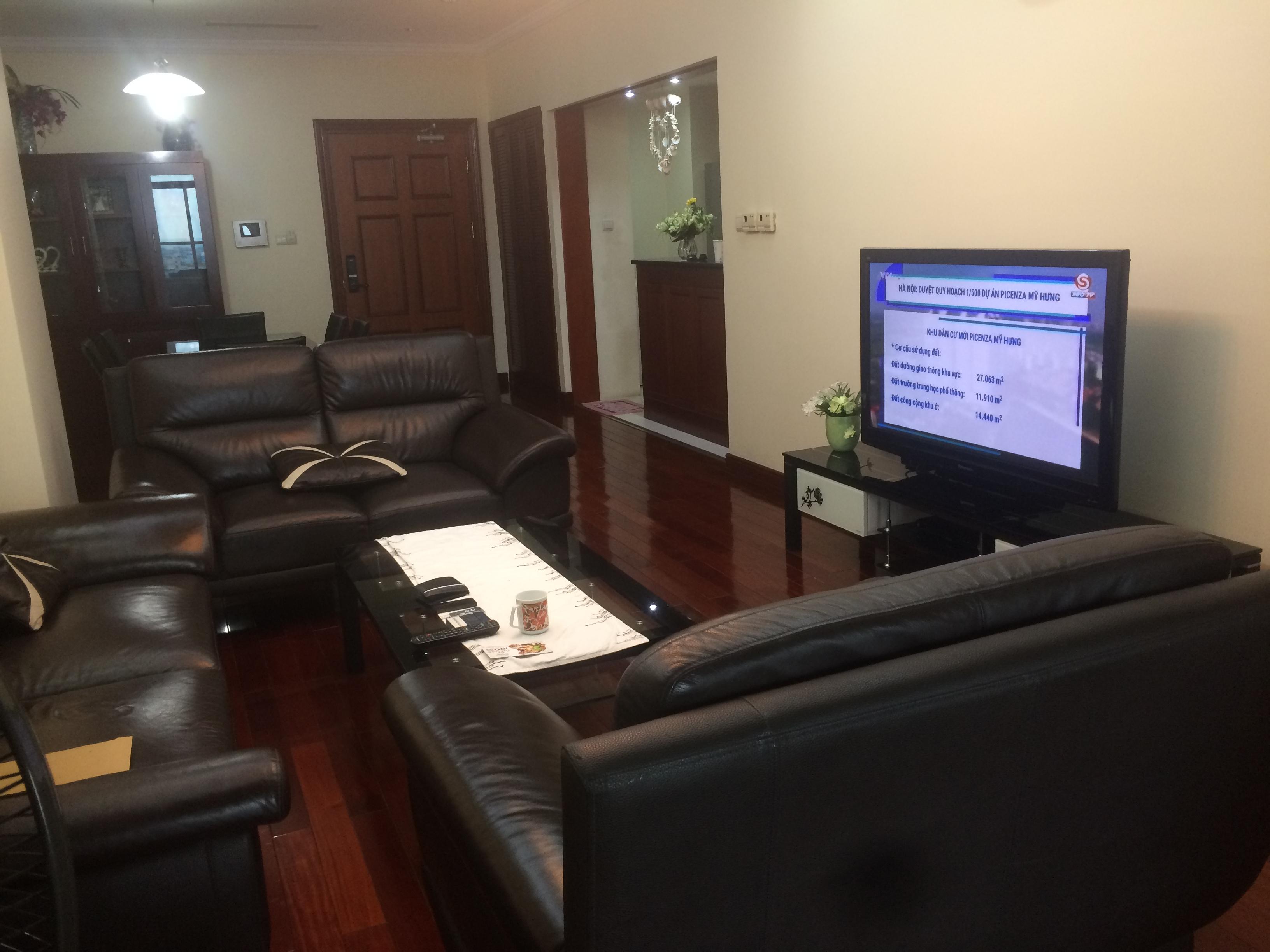 Cho thuê căn hộ cao cấp Vincom Bà Triệu, 3 phòng ngủ