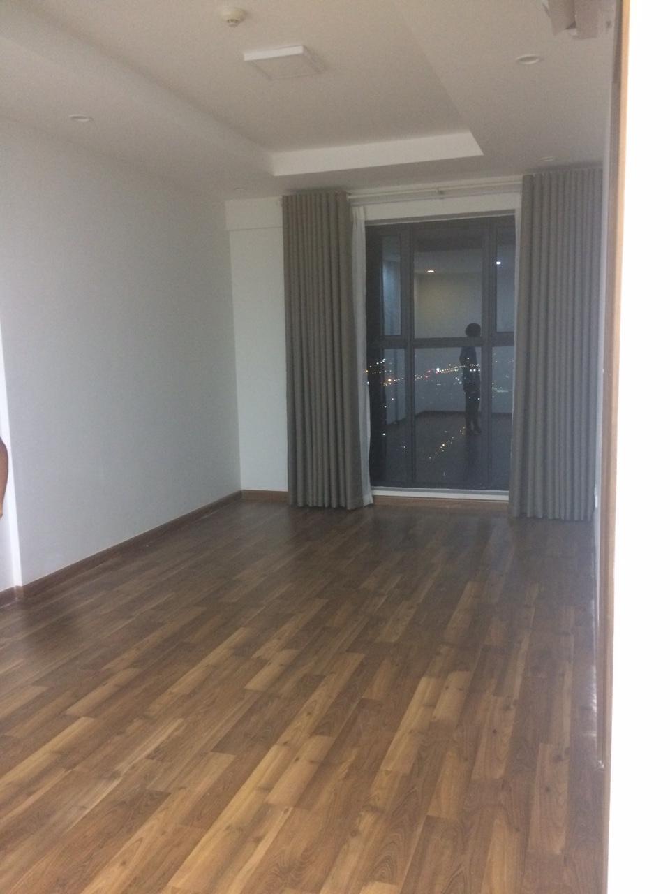 Cho thuê căn hộ chung cư Goldmark City, 2 phòng ngủ, đồ cơ bản