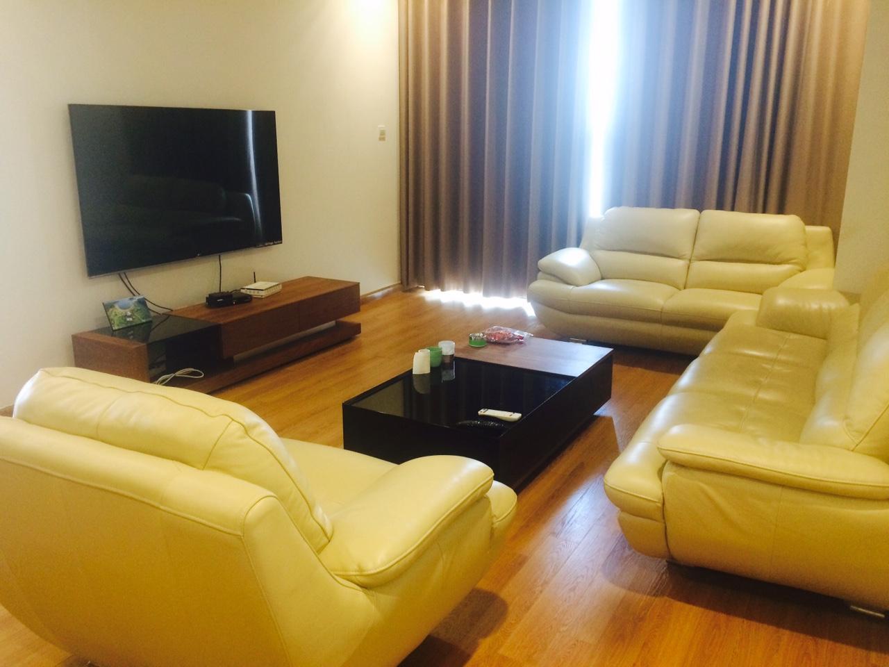 Cho thuê căn hộ R6 Royal City, 3 phòng ngủ sáng