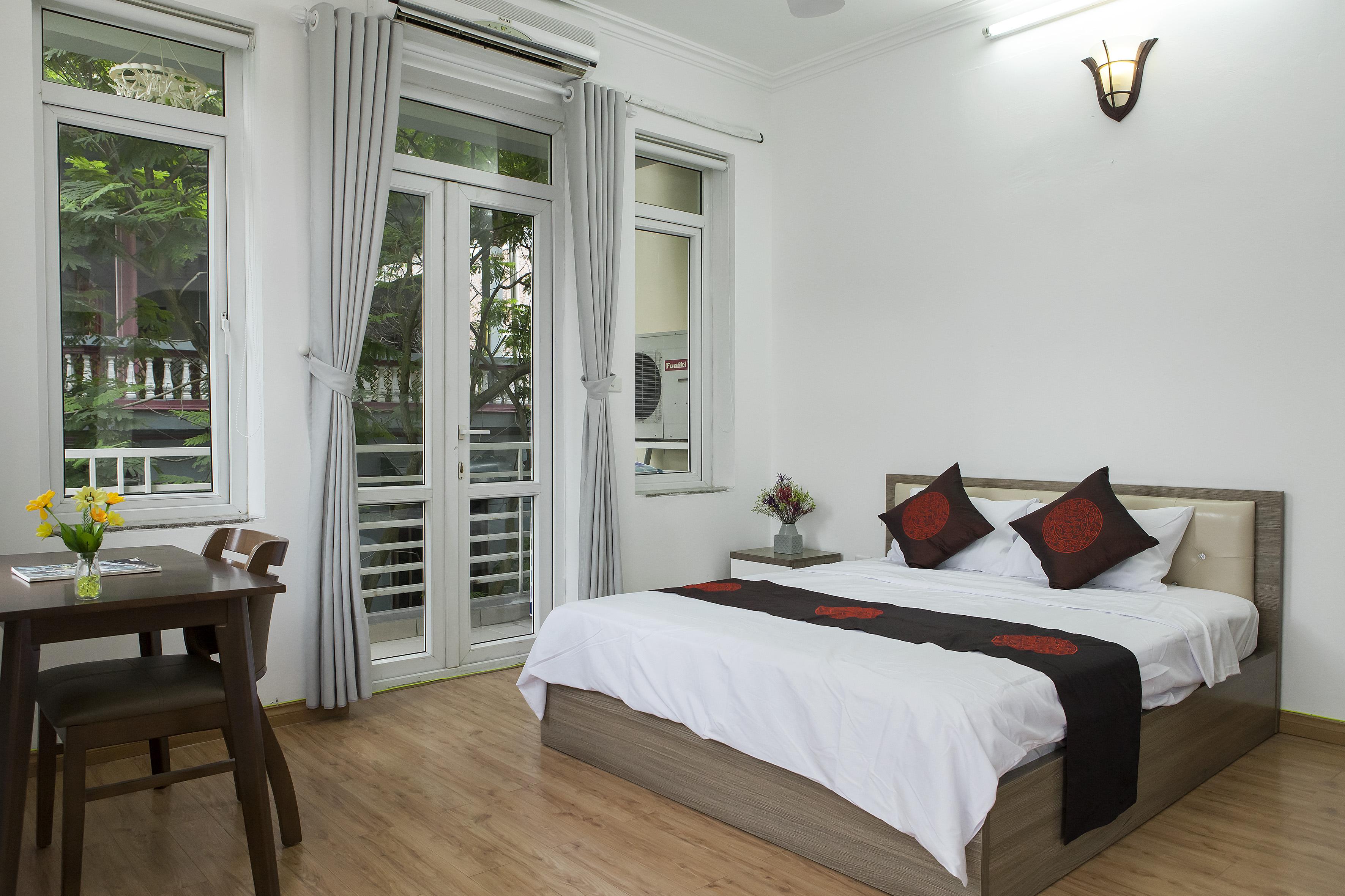 Cho thuê căn hộ gần hồ Trúc Bạch, quận Ba Đình