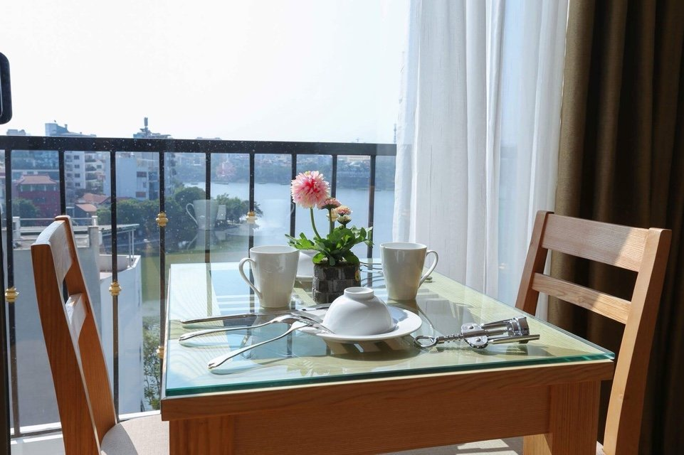 Quiet and new serviced apartment close to center