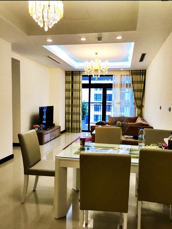 Cho thuê căn hộ Royal City 3 ngủ full đồ