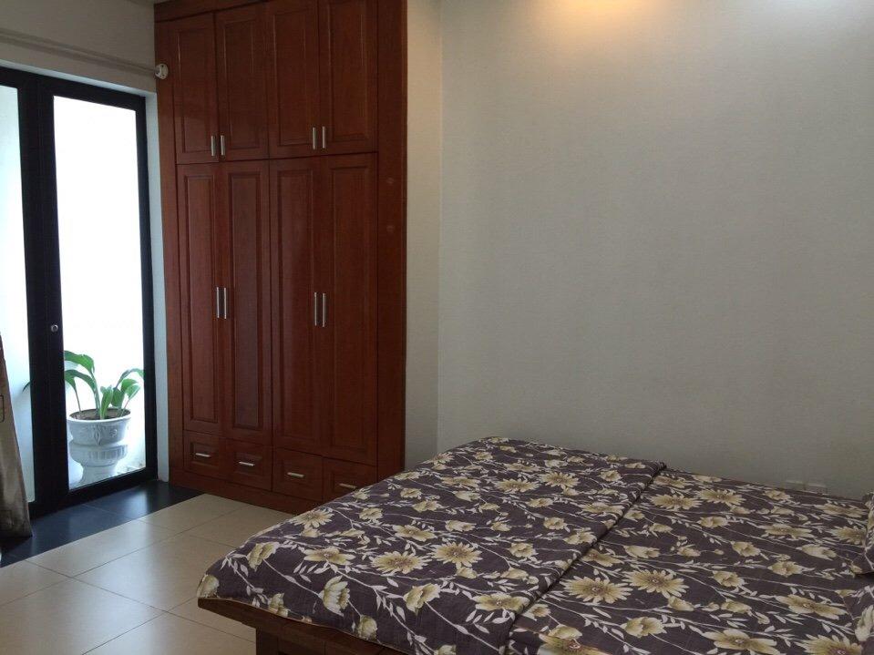 Cho thuê căn hộ dịch vụ Studio gần The Manor