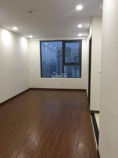 Cho thuê căn hộ không đồ tại Home City