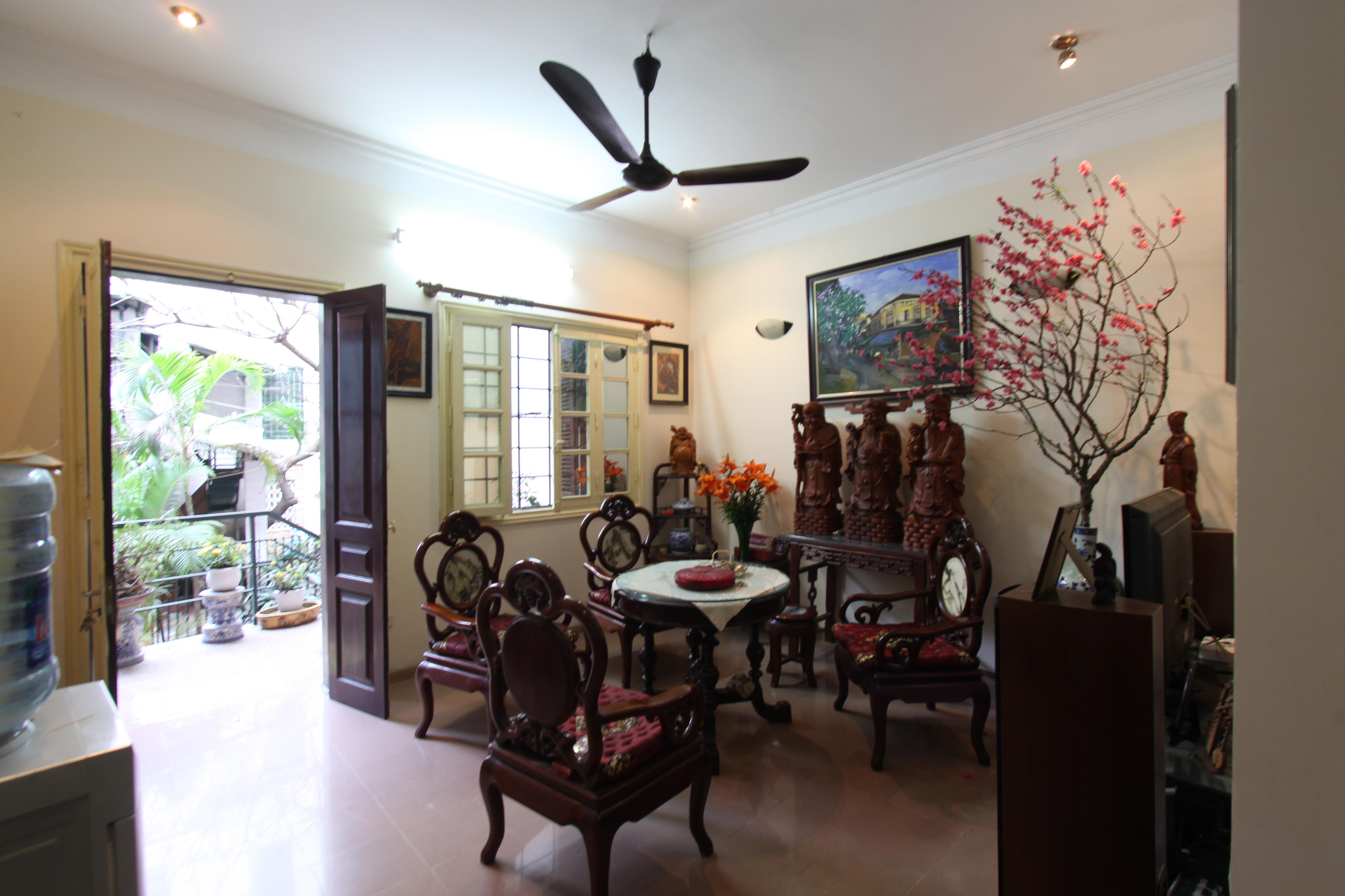 Cho thuê nhà riêng tại phố Hoàng Hoa Thám