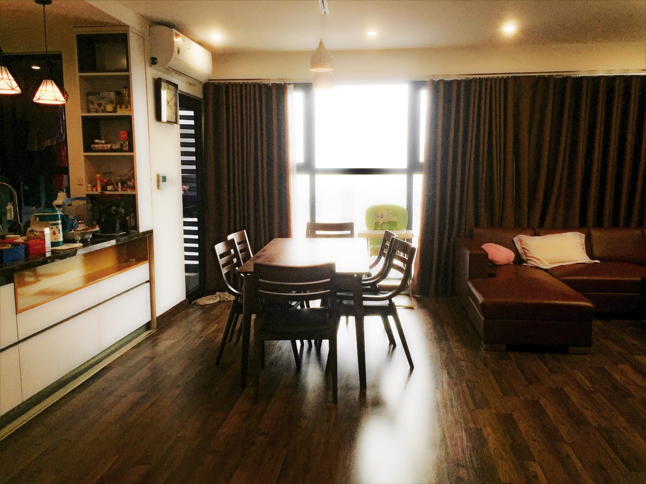 4 bedroom luxury apartment Goldmark City Ho Tung Mau