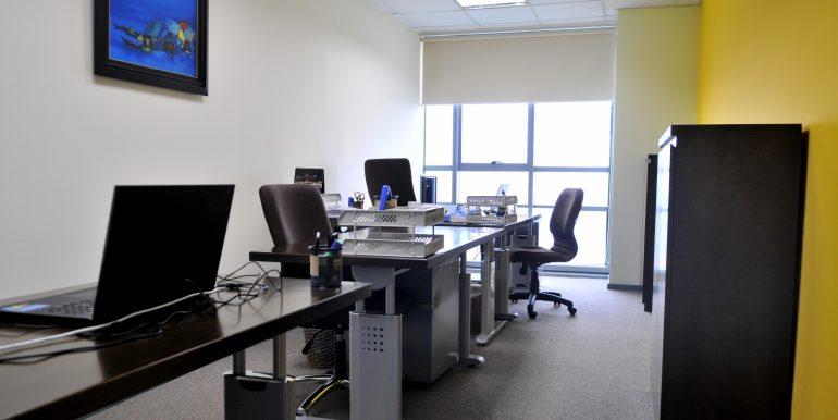 1444707643-full-time-office-9-jpg
