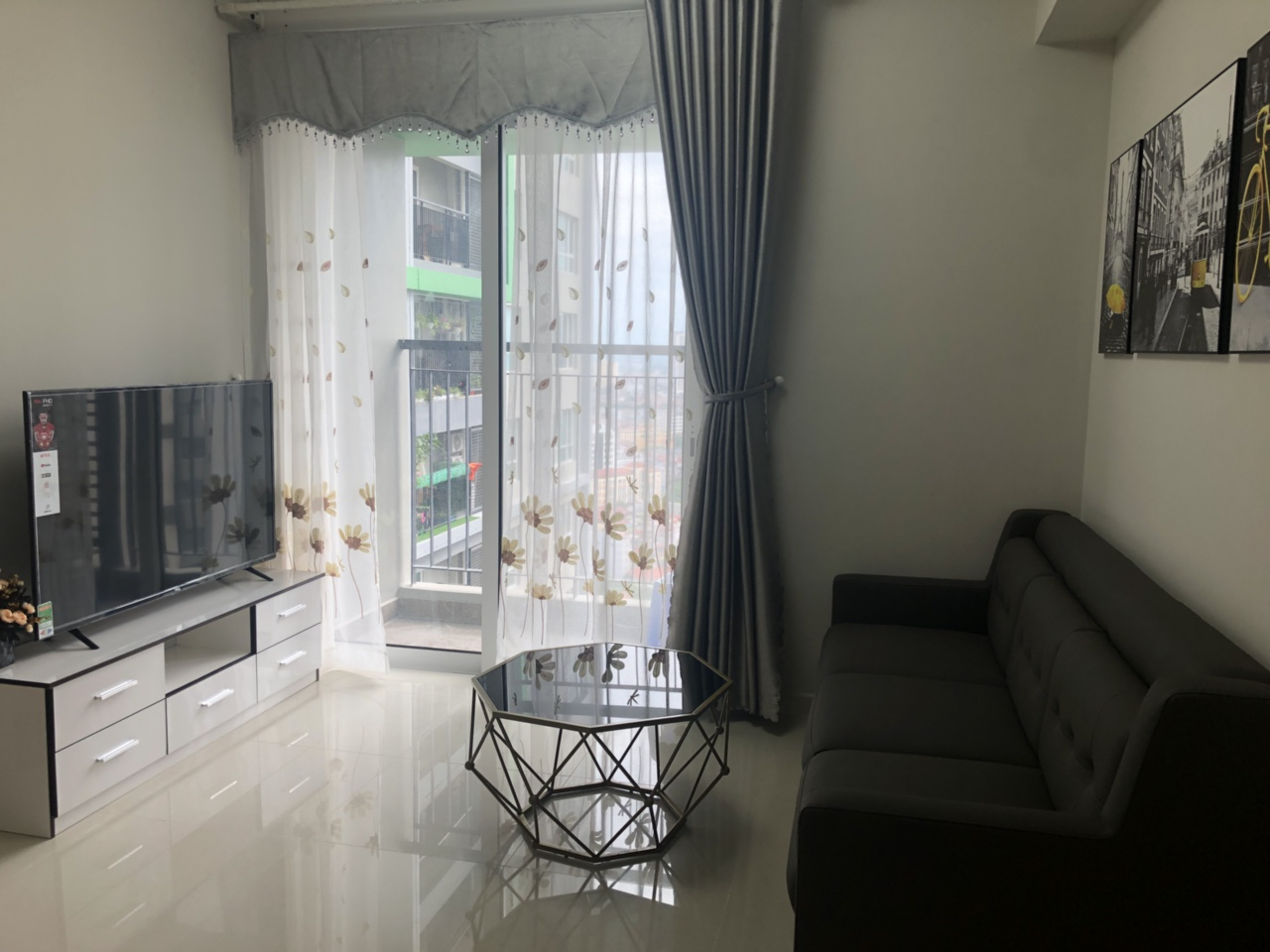 2 bedroom Seasons Avenue Mo Lao for rent