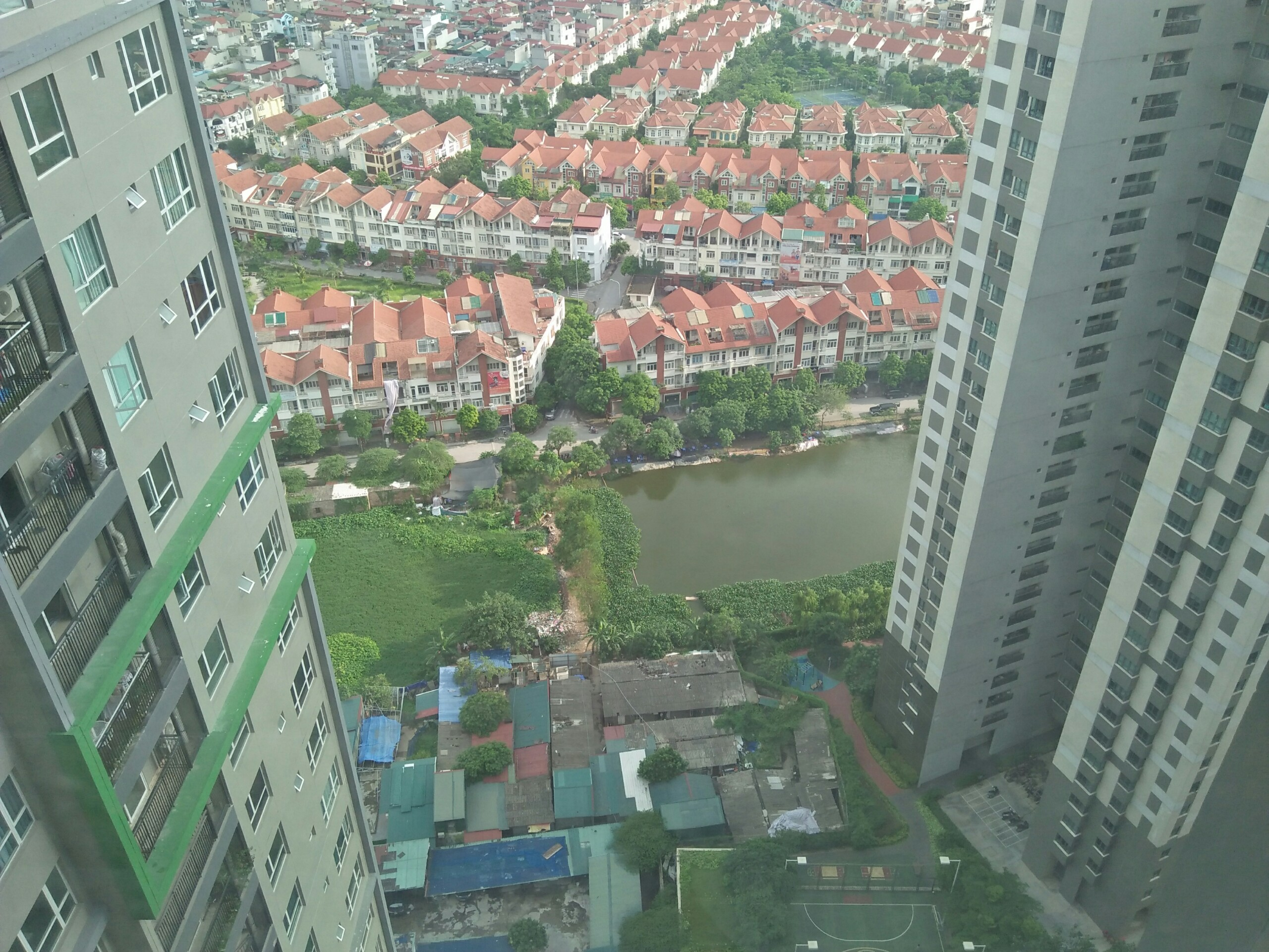 Seasons Avenue Mo Lao Apartment for Rent 2 Bedrooms