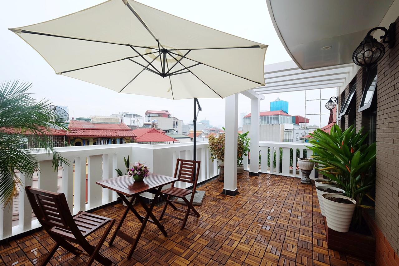 Căn hộ dịch vụ sân vườn phố Đào Tấn