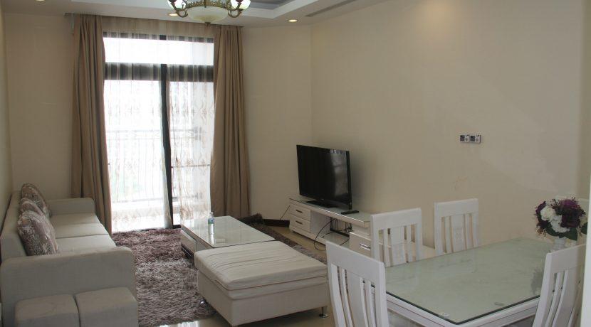Royal City 2 phòng ngủ đầy đủ tiện nghi