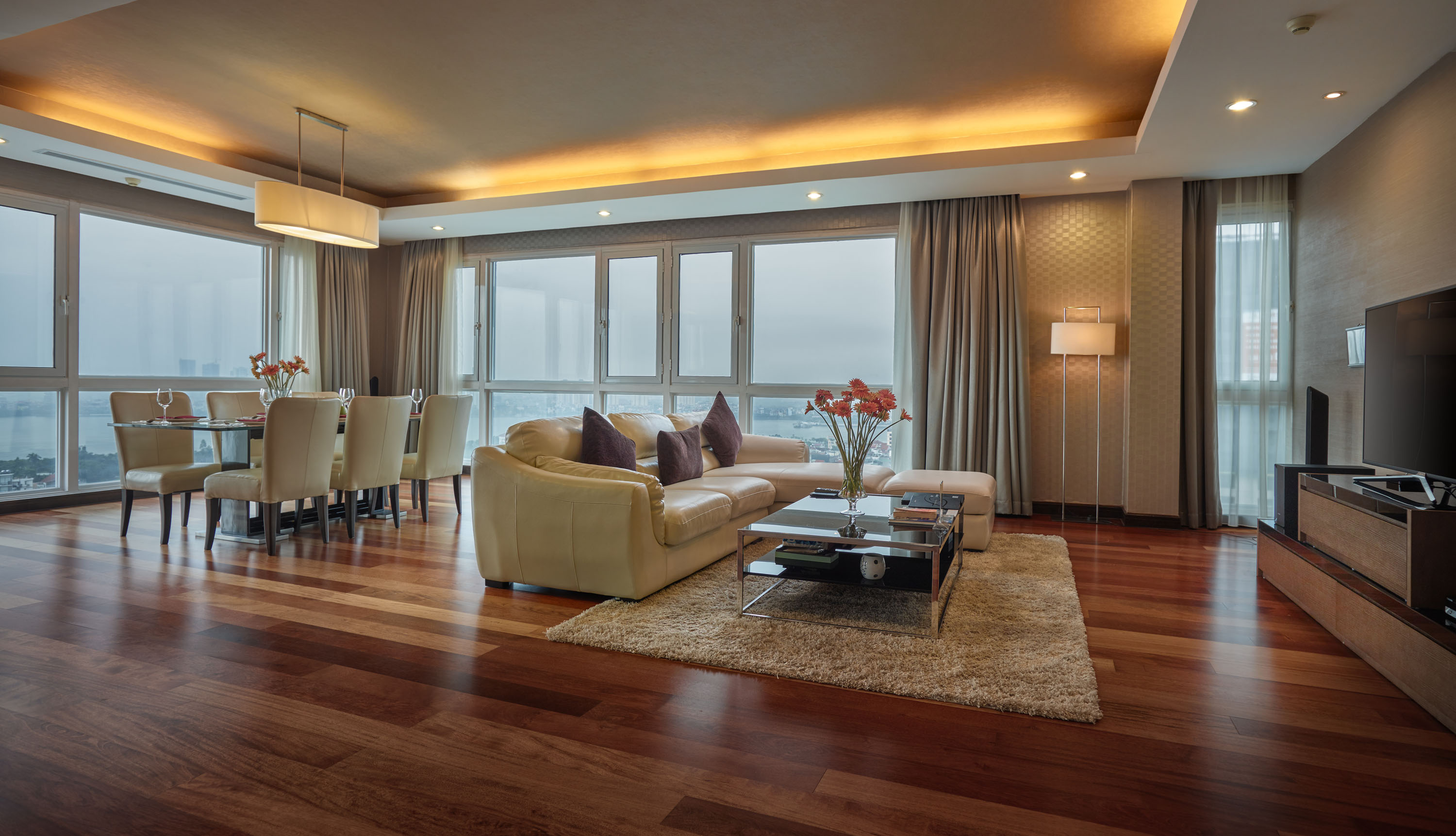 High-end duplex penthouse with Westlake view
